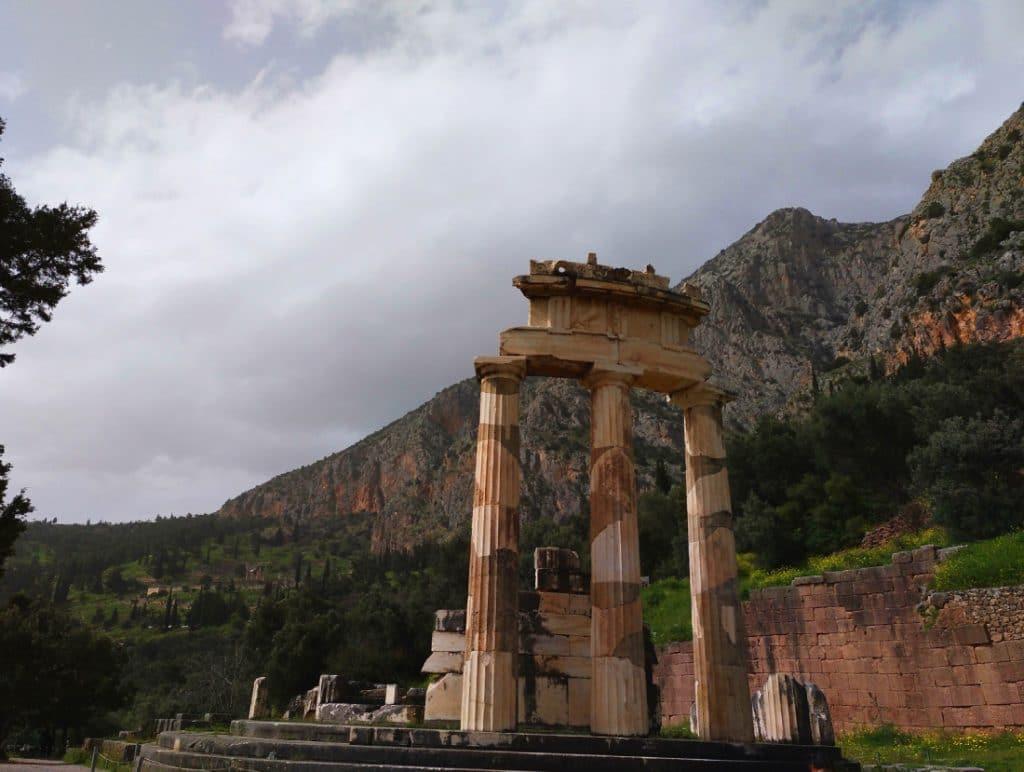 Templo de Atenea Pronaia, Tholos de Delfos, Grecia