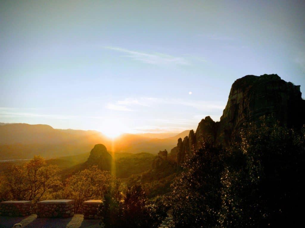 atardecer en Meteora, Kalambaka, Grecia. Sunset in greece